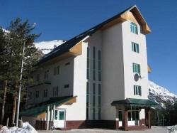 chyran-azau-hotel-01
